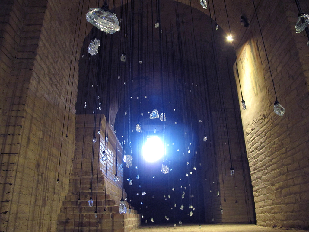 Tears 2015, Lágrimas 2015, installation, instalación, Olga Simón, Stills of peace. exhibition exposición, Atri, Italy Italia,, art arte, cristal tears, lágrimas, blue, azul