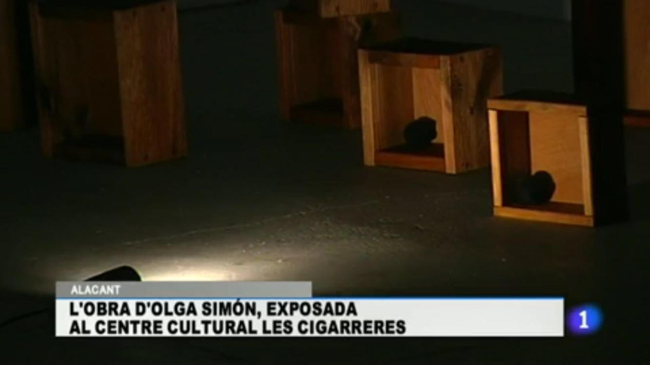 tv, TV, Televisión Española, Olga Simón, going through, atravesando. exhibition exposición, Las cigarreras, Alicante  art arte, 2016 ,Jardín polar, Polar garden, Tears 2015, Lágrimas 2015, installation, instalación,